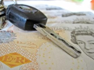 Online Car Loans keys on cash